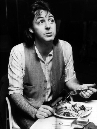paul-mccartney-former-singer-with-the-beatles-eating-fish-and-chips-november-1977
