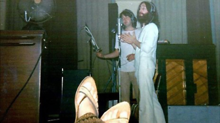 john_lennon_paul_mccartney_recording